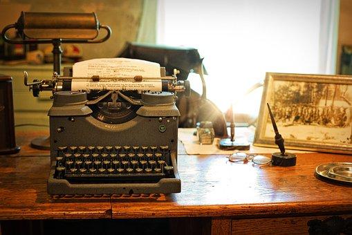 typewriter-2095754__340